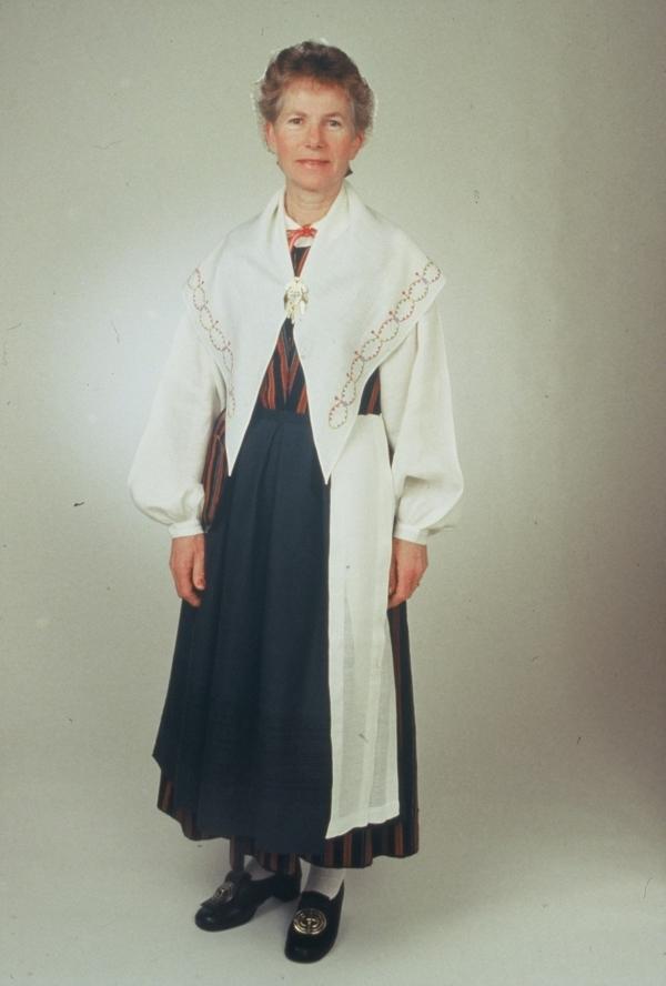 Kvinnlig dräkt Munktorps socken