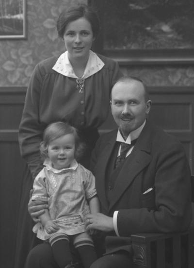 Lektor Sven Elvius med familj, Västerås.