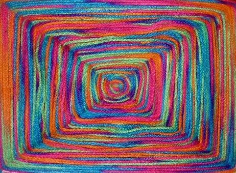 Garnnystan i olika färger.